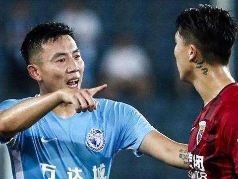 秦升洗澡净身或回应点球,遭抵制后秒删:你是上海人还是大连人