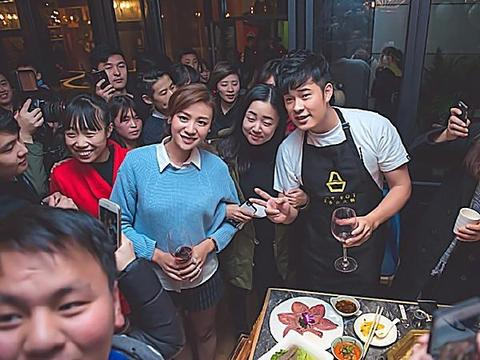 陈赫火锅店,薛之谦火锅店,邓家佳的火锅店,看到黄磊:吃的是钱