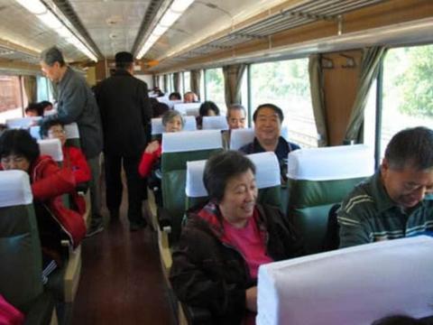 为何手机上显示无票,上火车后却发现有很多空位?列车员道出实情