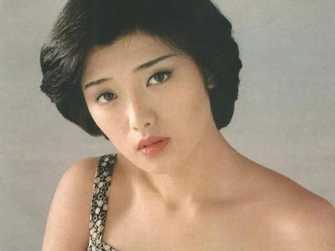 """曾经的绝色大美女,为爱情""""隐退""""40年,今61岁现身""""大变样"""""""