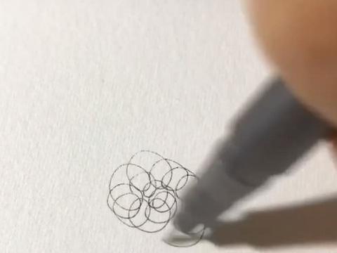 """大佬纸上画""""钢丝球"""",镜头拉远之后,网友:打印机"""
