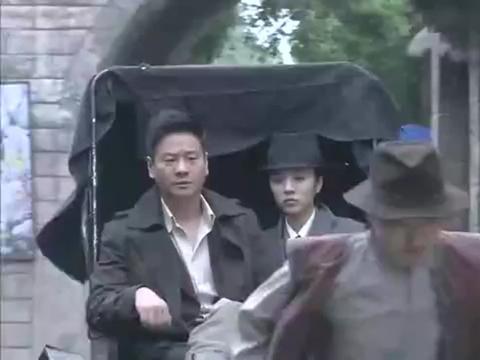 两大日本杀手作死,大街阻拦小伙,惹怒小伙,断喉鬼子