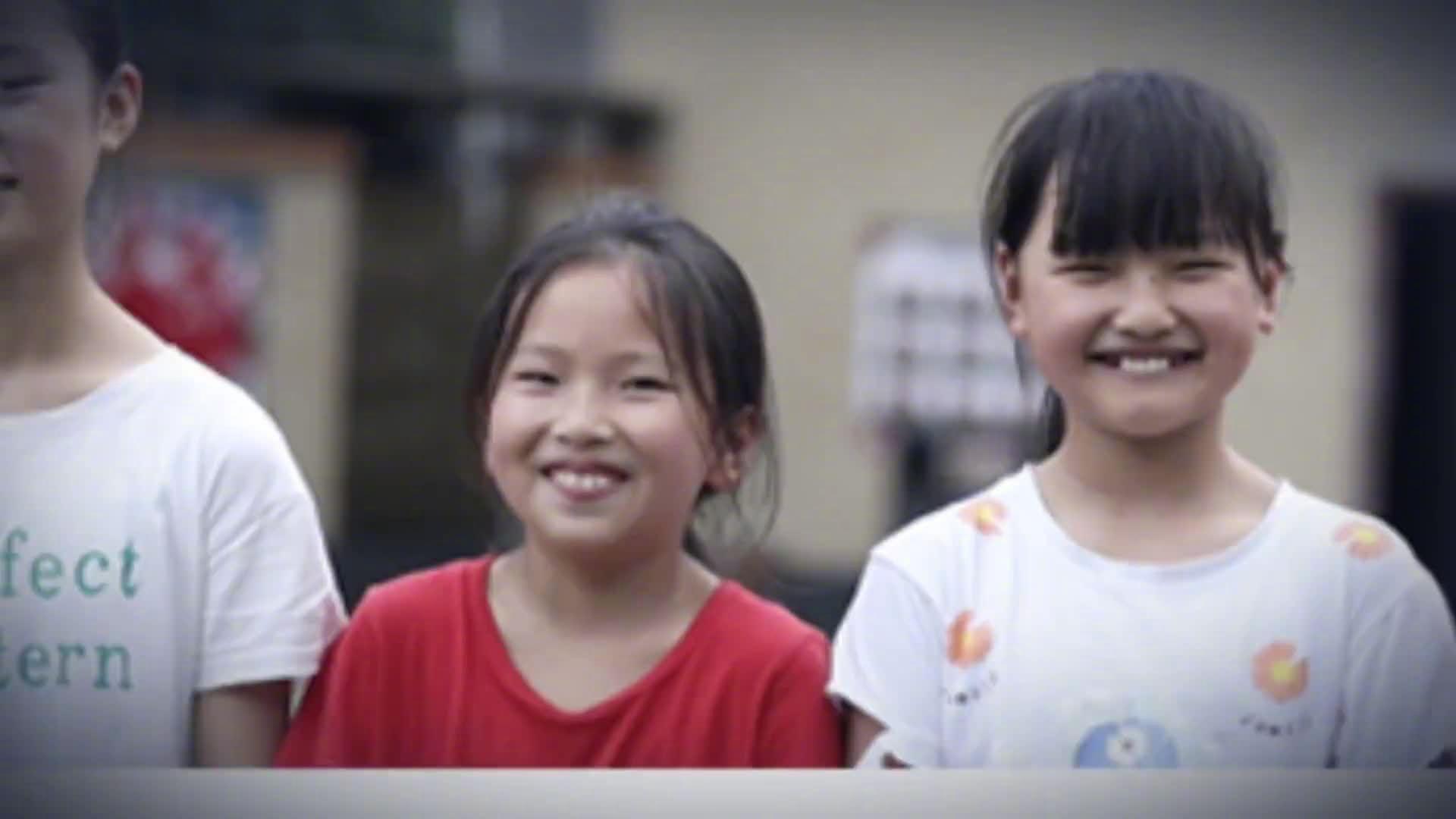 你笑起来真好看丨河池70.22万人口脱贫的背后:脱贫路上疾步行