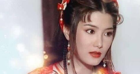 """小时候武侠剧的""""第一美人"""",如今已经50岁,风采不减当年"""