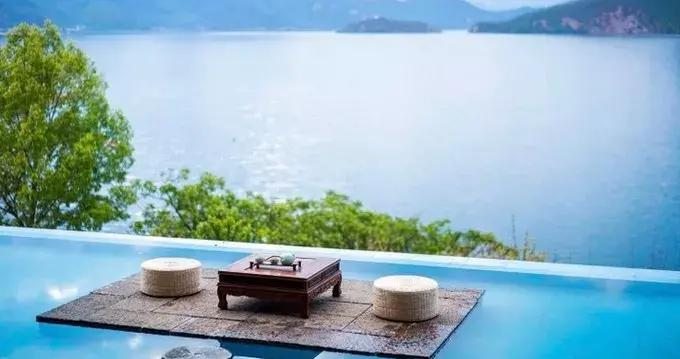 泸沽湖住宿攻略:这些漂亮的湖景客栈 能燃起你的激情