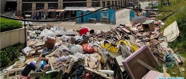 贵阳云岩区万科城堆了一年多的建筑垃圾,终于清理干净了 网络问政