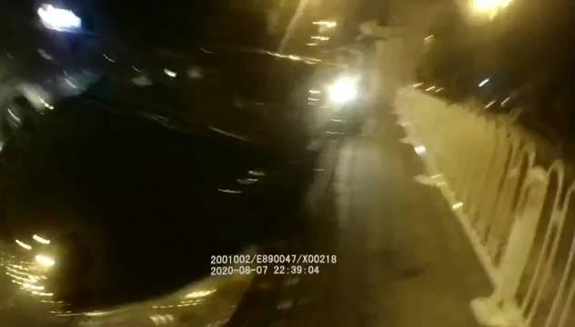 酒驾遇交警检查 弃车逃跑被抓遭罚