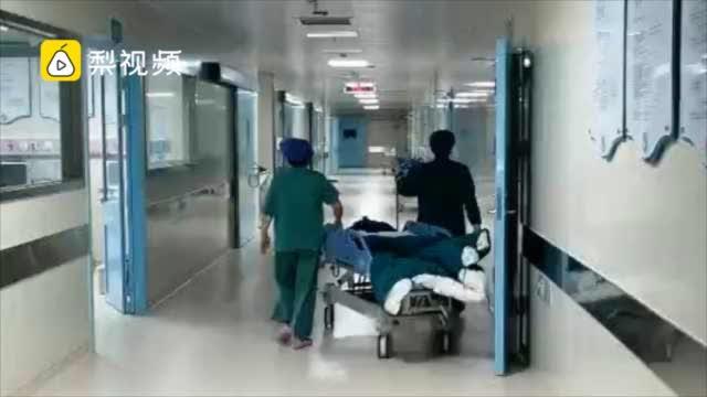 女子子宫取出71个肌瘤,医生:小心高激素化妆品