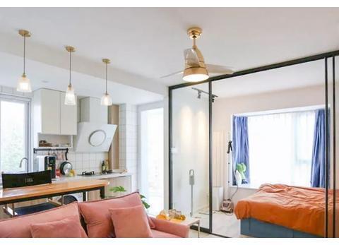 39㎡简约风单身公寓,客餐厨一体化设计,让小家宽敞又实用!