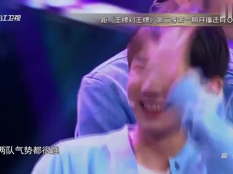 王祖蓝和王源上演帅气五连拍,两人却较起劲来,成了互挡五连拍!
