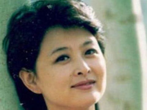 前央视主持人肖晓琳:55岁因癌客死异乡,与撒贝宁的关系浮出水面