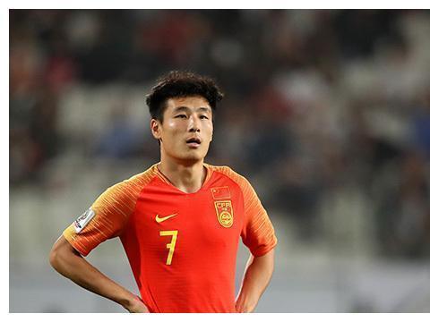 武磊拒绝赴英超踢球,狼队只是看中了,他的商业价值