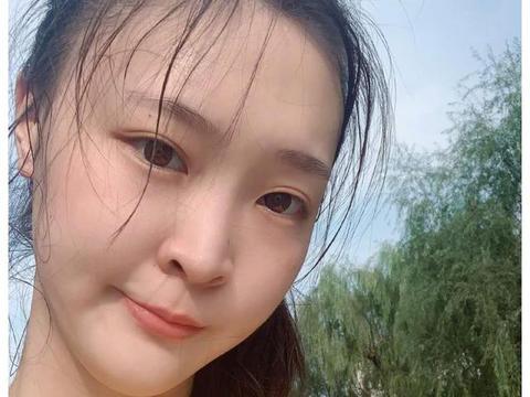 中国女排奥运冠军更新近照,身材和脸蛋圆润不少,被猜测是否怀孕