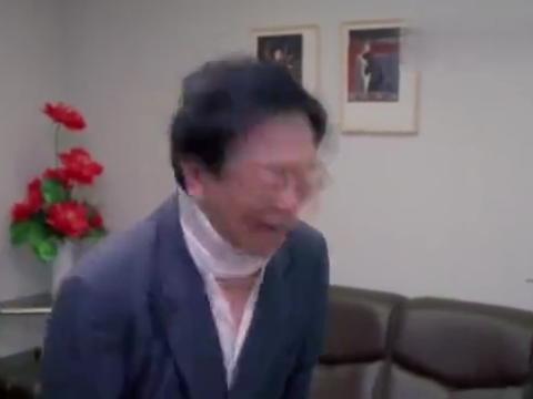 一部大腕云集的香港喜剧片,年前上映,黄霑主演许多人没看过