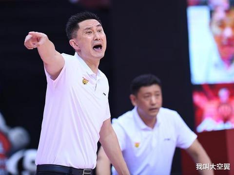 CBA总决赛看点:易建联难防韩德君,赵睿能挑战郭艾伦?