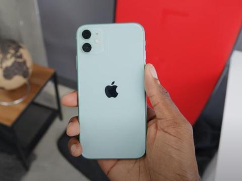 谁说现在换iPhone11很沙雕的?没有5G网络的它,现在依旧很香