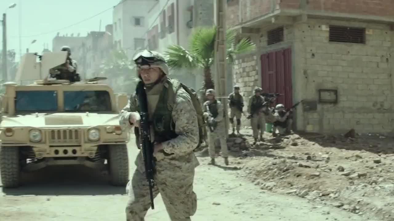 战场就是这么残酷,拿起武器就没有对错可言……