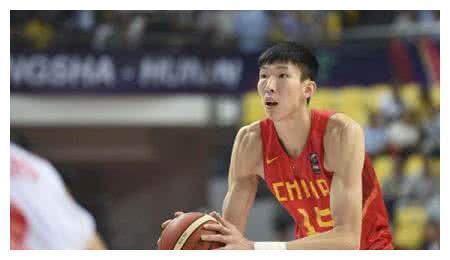 男篮最成功CUBA球员,打爆周琦王哲林,娇妻很漂亮
