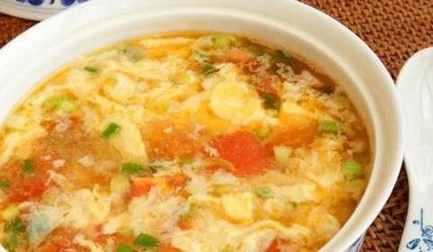 做鸡蛋汤时,最忌直接倒蛋液!多做1步,蛋花漂亮,连喝2碗不解馋
