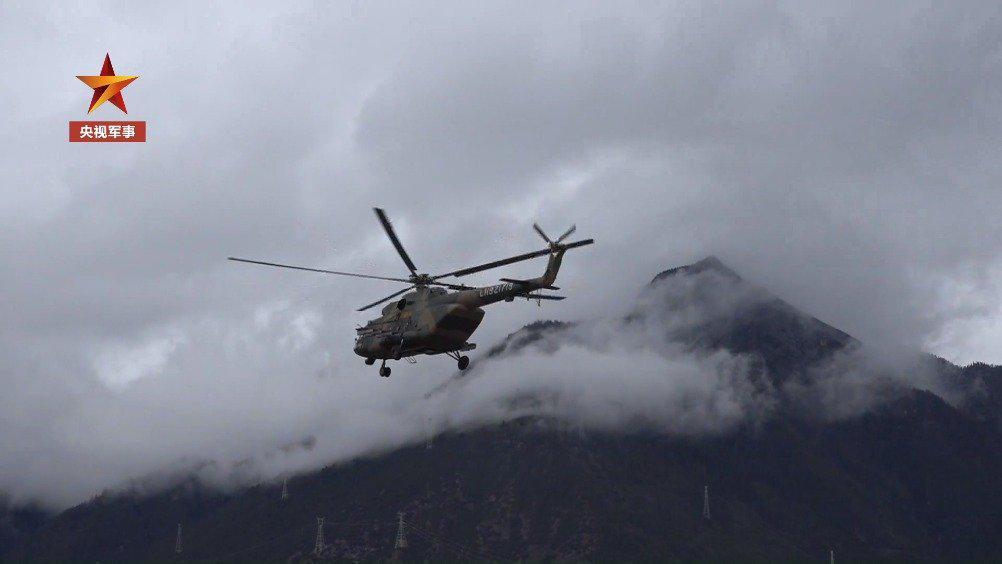 暖心!直升机为墨脱边防哨所急运物资
