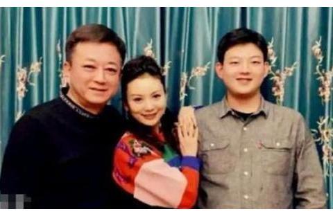 """2018年,主持人朱军被实习生以""""猥亵罪""""举报,事业受到严重影响"""