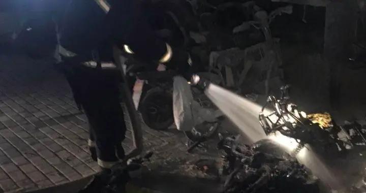大雨后充电电动车爆燃,消防部门:高温潮湿导致电池故障