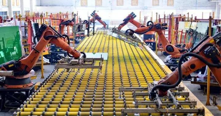 台湾受雇员工人数疫情以来首度回升 制造业仍受冲击