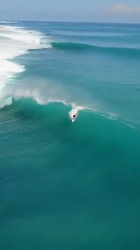 这对于冲浪运动员来说是最完美的浪了