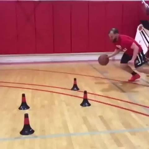 提高你脚步和运球的速度