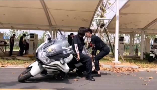 飒爽英姿的女骑警是怎么练成的?