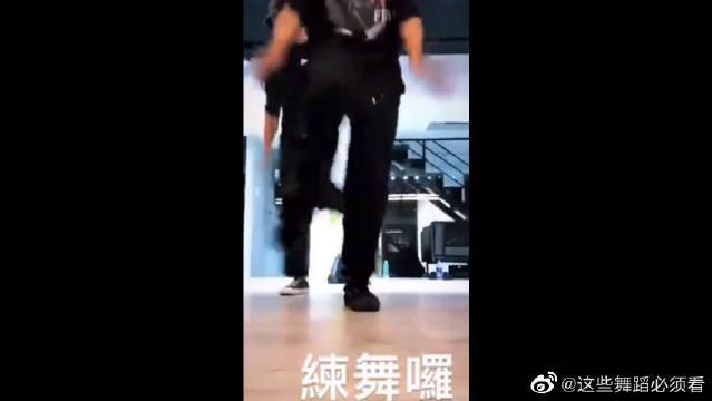 罗志祥晒练舞视频,看起来心情不错哦~ 这是还打算复出??