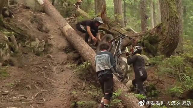 山地车怎么玩?极限地形的速降骑行