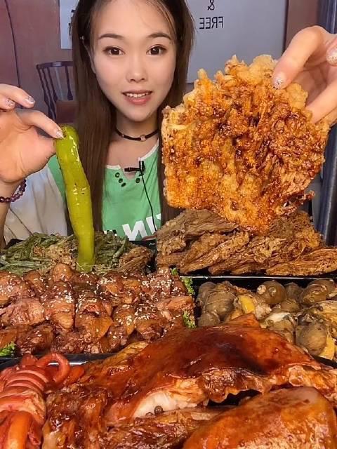 小萱小胃大吃 油炸金针菇