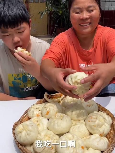 农村会姐 自制鱼香肉丝包子