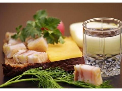 伏特加配什么好?来看看俄罗斯传统「下酒菜」