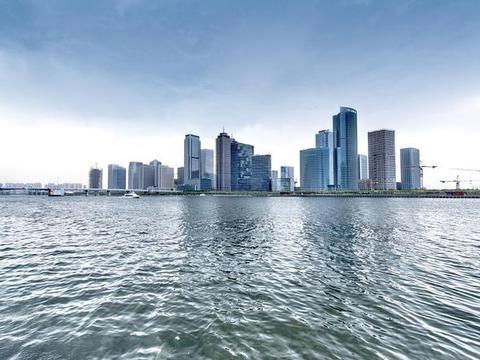 湘江明珠长沙市的2020上半年GDP出炉,在国内排名第几?
