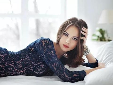俄罗斯台球女神颜值爆表!被评为世界上最美的女运动员之一