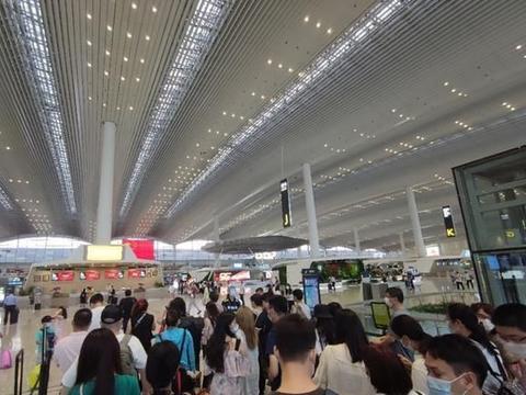 南航首架国产喷气式支线客机!从广州飞揭阳,空间不输干线客机
