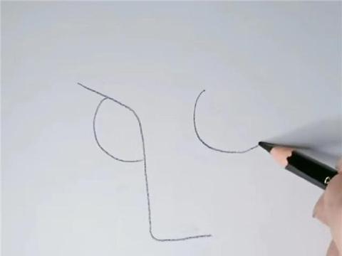 大佬在纸上画五官,开始:什么玩意儿,最后:有眼不识泰山了