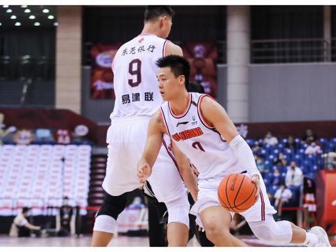赵睿复苏,总决赛广东1-0辽宁拿到冠军点,易建联2分+9篮板