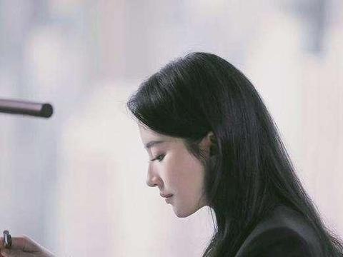 刘晓莉:快30岁时生下刘亦菲,为女儿2度离婚,迫不得已入美籍
