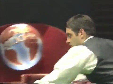 2001年世锦赛,奥沙利文在决赛中18-14战胜了希金斯……