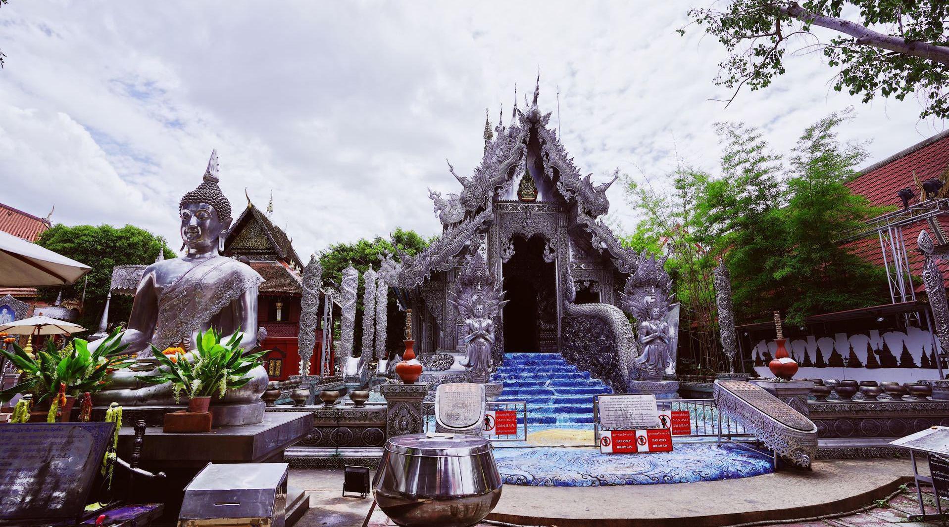 逛白庙不用去清莱,原来清迈也有一座白庙。你应该没去过