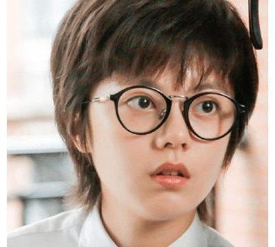 """赵今麦""""马拉松照""""被疯传,离开10级美颜后,确定18岁吗?"""