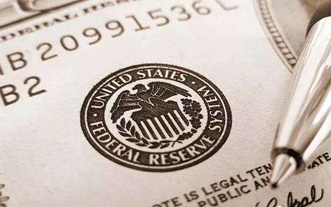 美联储终于低头,在美持有黄金将违法,持有美债国家要付钱!