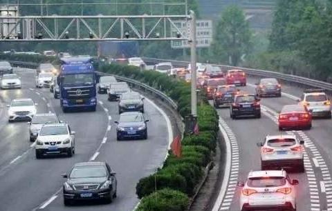 国内首条不限速高速即将建成,全程161公里没有测速,油门随便踩