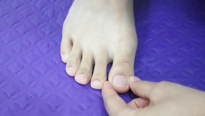 脚1个反射区,鼻塞、鼻涕就推它,每天3分钟,鼻腔畅通呼吸轻松!
