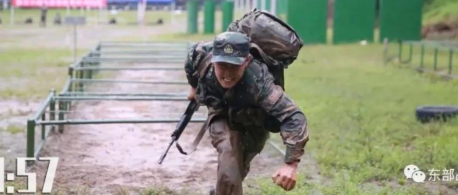 警卫兵1分30秒火力突击,画面高燃!