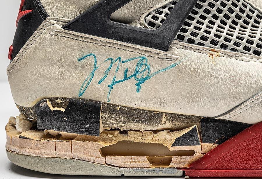 Michael Jordan 亲签元年 AJ4,很可能是亲穿...