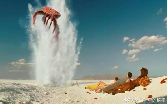男子穿越2亿年前,正饿的发慌的时,一只巨大螃蟹跑进锅里